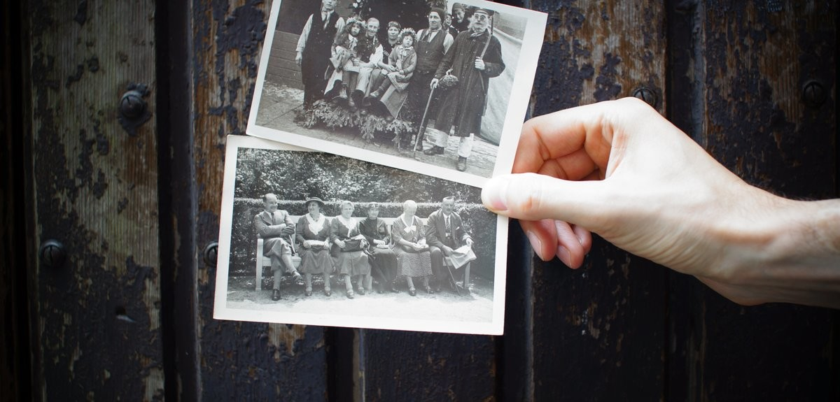 working-with-family-photographs-header