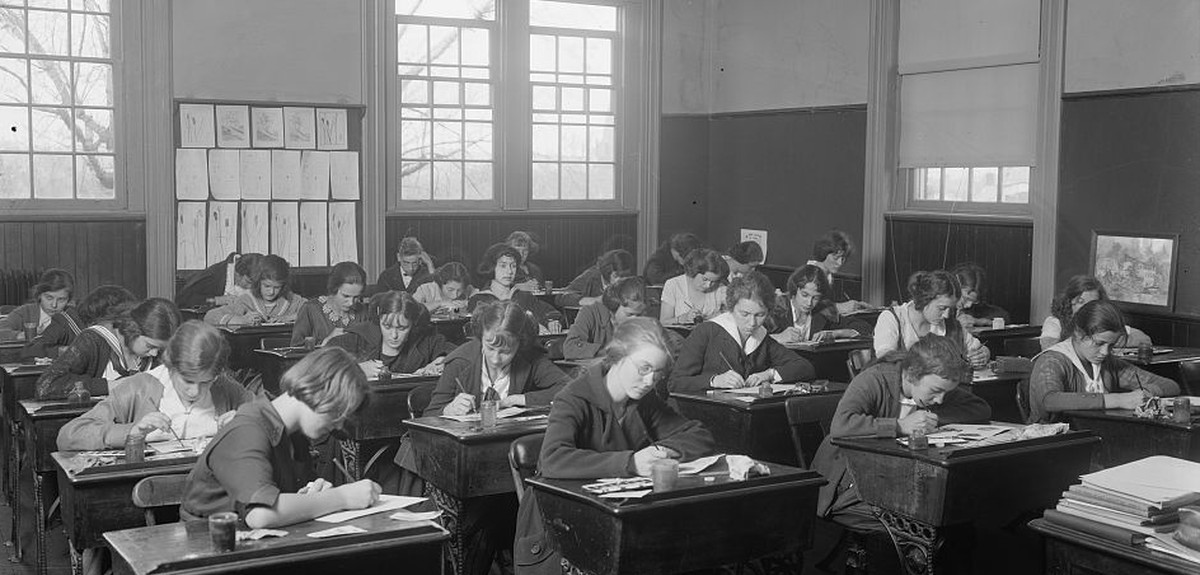 how-school-records-can-help-you-with-your-genealogy-research-header